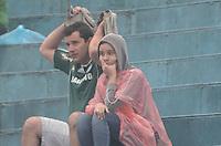SAO CAETANO DO SUL, SP, 17 DE MARCO 2013 - CAMPEONATO PAULISTA - SAO CAETANO X PALMEIRAS -Torcedores do Palmeiras durante partida entre Sao Caetano x Palmeiras no Estadio Anacleto Campanela em Sao Caetano do Sul ABC Paulista, neste domingo. (FOTO: ADRIANO LIMA / BRAZIL PHOTO PRESS).