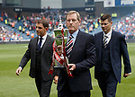 Dave King keeps a tight grip on the league trophy