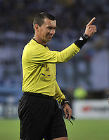 BOGOTA- COLOMBIA -09 -02-2014: Wilson Lamoroux, arbitro durante  partido de la cuarta fecha de la Liga Postobon I 2014, jugado en el Nemesio Camacho El Campin de la ciudad de Bogota. / Wilson Lamoroux, referee during a match for the fourth date of the Liga Postobon I 2014 at the Nemesio Camacho El Campin Stadium in Bogoto city. Photo: VizzorImage  / Luis Ramirez / Staff