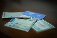 SÃO PAULO, SP , 06.04. 2017 - DOCUMENTOS-BRASIL - O Projeto de Lei da Câmara (PLC) 19/2017, que propõe reunir dados biométricos e civis, como Registro Geral, Carteira Nacional de Habilitação e o título de eleitor em um único documento, a Identificação Nacional, foi aprovado nesta quarta feira 05.04 pela Comissão de Constituição, Justiça e Cidadania (CCJ) do Senado. (Foto: Nelson Gariba/Brazil Photo Press)