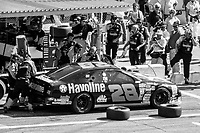 Ernie Irvan makes a pit stop, Daytona 500, NASCAR Winston Cup race, Daytona International Speedway, Daytona Beach, FL, February 1994(Photo by Brian Cleary/bcpix.com)