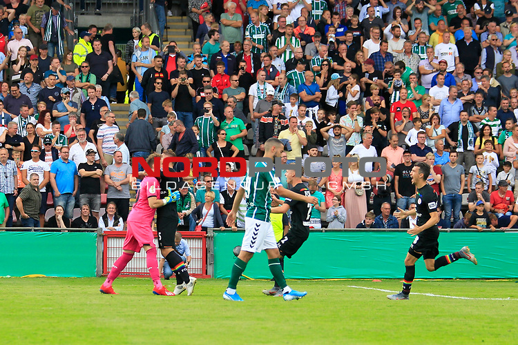 11.08.2019, Stadion Lohmühle, Luebeck, GER, DFB-Pokal, 1. Runde VFB Lübeck vs 1.FC St. Pauli<br /> <br /> DFB REGULATIONS PROHIBIT ANY USE OF PHOTOGRAPHS AS IMAGE SEQUENCES AND/OR QUASI-VIDEO.<br /> <br /> im Bild / picture shows<br /> Die Mannschaft des FC St. Pauli jubelt nach dem Pokalsieg gegen den VfB Luebeck mit 6:7.<br /> <br /> Foto © nordphoto / Freund