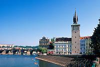 Karlsbruecke (Karlov Most), Altstaedter Wasserturm, Prag, Tschechien, Unesco-Weltkulturerbe.