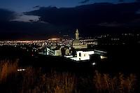 Ishak Pasha Saray Palace Dogubayazit Turchia, paesaggio   notturno . Anatolia Orientale