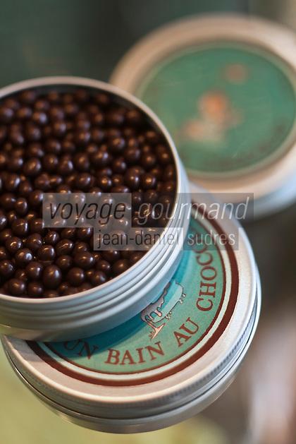 Europe/France/Aquitaine/40/Landes/Dax: Pâtisserie : Un Bain au Chocolat- les perles de chocolat d' Hugues Gaudet