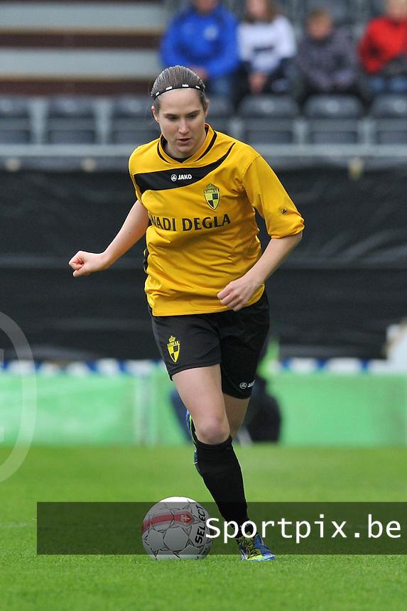 Bekerfinale 2012 : WD Lierse SK - Standard Femina :.Kristien Elsen aan de bal.foto David Catry / Joke Vuylsteke / Vrouwenteam.be
