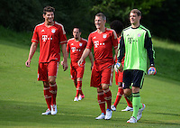 FUSSBALL     1. BUNDESLIGA     SAISON  2012/2013     30.07.2012 Fototermin beim  FC Bayern Muenchen  Mario Gomez, Bastian Schweinsteiger, Torwart Manuel Neuer (v. li., )