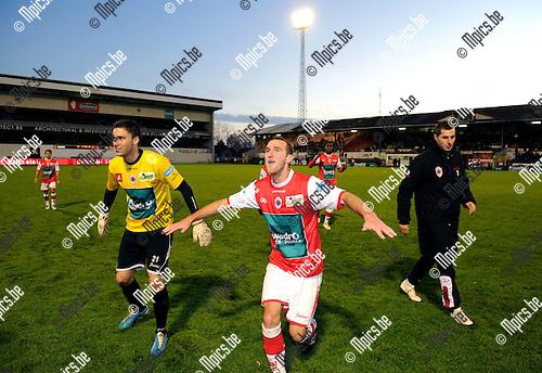 11-11-27 / Voetbal / seizoen 2011-2012 / R. Antwerp FC - RCSC Charleroi / Benjamin Lambot en Defourny (L) vieren de overwinning..Foto: Mpics