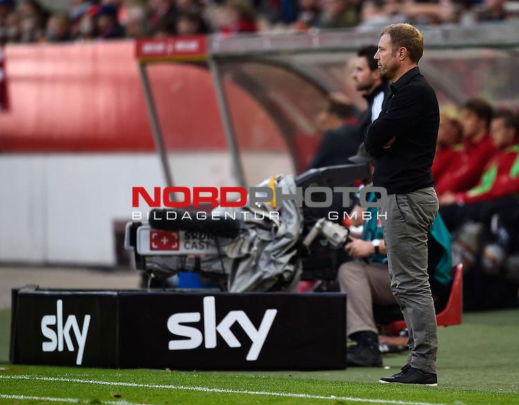2. Liga  2015/2016, 10. Spieltag Hinrunde, 1. FC Kaiserslautern vs. Fortuna D&uuml;sseldorf<br /> Trainer Frank Kramer (D&uuml;sseldorf)<br /> <br /> <br /> Foto &copy; nordphoto /  Bratic
