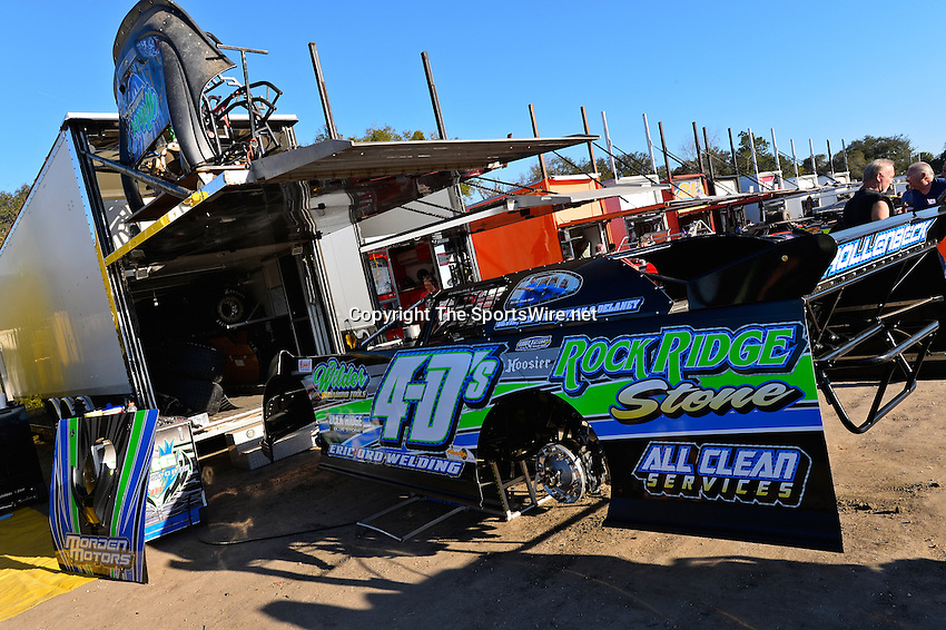 Feb 17, 2014; 4:40:53 PM;  Barberville, FL, USA;  World of Outlaws Late Model Series for 43rd Annual DIRTcar Nationals presented by Summit Racing Equipment at Volusia Speedway Park.  Mandatory Credit: (thesportswire.net)