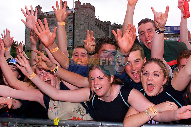 the crowd goes wild at teh U2 concert in Slane castle.Pic Fran Caffrey Newsfile