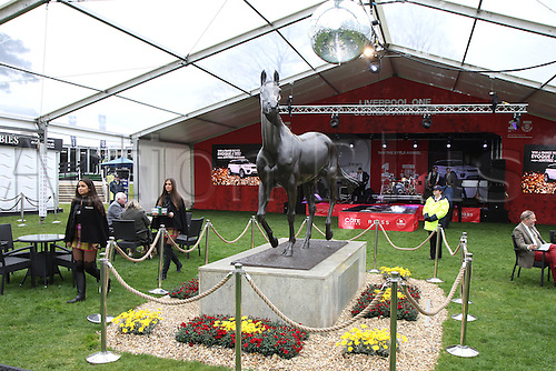 08.04.2016. Aintree, Liverpool, England. Crabbies Grand National Festival Day 2. A view of the statue of legendary three time winner Red Rum.