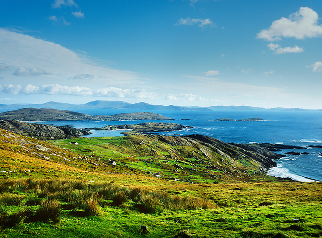 """The """"Ring of Kerry"""" on the westcoast of Ireland."""