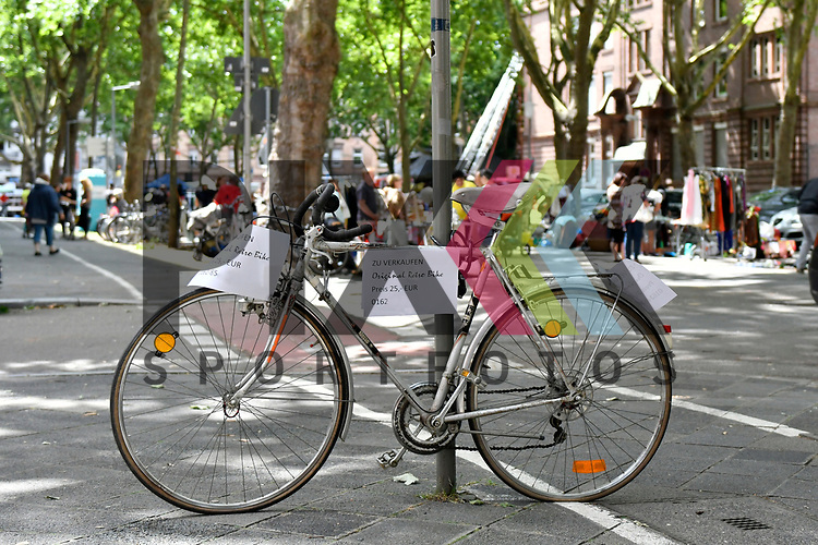 Mannheim 15.07.17 Beginn des Stadtteilfestes Schwetzingerstadt/Oststadt in der Otto-Beck-Strasse im Bild ein Rad wird zum verkauf angeboten.<br /> <br /> Foto &copy; Ruffler For editorial use only. (Bild ist honorarpflichtig - No Model Release!)