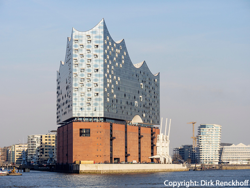 Elbphilharmonie, Marco Polo Tower und Unilever-Haus in der Hafencity, Hamburg, Deutschland, Europa<br /> Elbphilharmonie, Marco Polo Tower and Unilever-House in the Hafencity, Hamburg, Germany, Europe