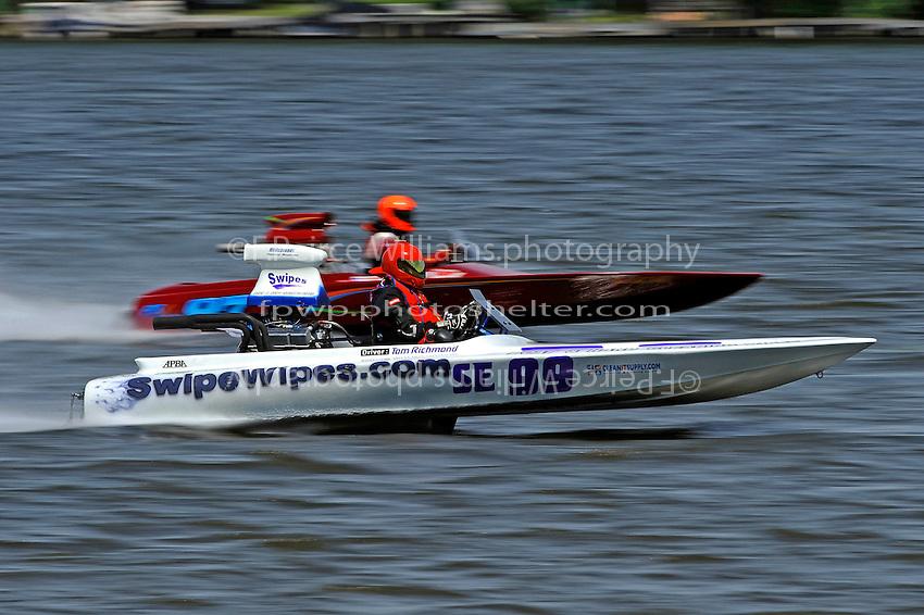 "Tom Richmond, SE-99 ""Swipes"" and John Tyler Brinton, SE-97 ""Light Speed"" (SE class flatbottom)"