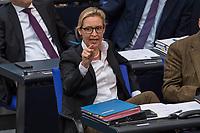 Sitzung des Deutschen Bundestag am Donnerstag den 19. April 2018.<br /> Im Bild vlnr.:  Alice Weidel, Fraktionsvorsitzende der rechtsnationalistischen &quot;Alternative fuer Deutschland&quot;, AfD echauffiert lautstark sich waehrend der Debatte zum Thema &quot;Einsetzung Enquettekomission Direkte Demokratie&quot;. Sie wurde waehrend einer Rede darauf angesprochen, dass sie ihre Steuern in der Schweiz zahlen wuerde und nicht in Deutschland.<br /> 19.1.2018, Berlin<br /> Copyright: Christian-Ditsch.de<br /> [Inhaltsveraendernde Manipulation des Fotos nur nach ausdruecklicher Genehmigung des Fotografen. Vereinbarungen ueber Abtretung von Persoenlichkeitsrechten/Model Release der abgebildeten Person/Personen liegen nicht vor. NO MODEL RELEASE! Nur fuer Redaktionelle Zwecke. Don't publish without copyright Christian-Ditsch.de, Veroeffentlichung nur mit Fotografennennung, sowie gegen Honorar, MwSt. und Beleg. Konto: I N G - D i B a, IBAN DE58500105175400192269, BIC INGDDEFFXXX, Kontakt: post@christian-ditsch.de<br /> Bei der Bearbeitung der Dateiinformationen darf die Urheberkennzeichnung in den EXIF- und  IPTC-Daten nicht entfernt werden, diese sind in digitalen Medien nach &sect;95c UrhG rechtlich geschuetzt. Der Urhebervermerk wird gemaess &sect;13 UrhG verlangt.]