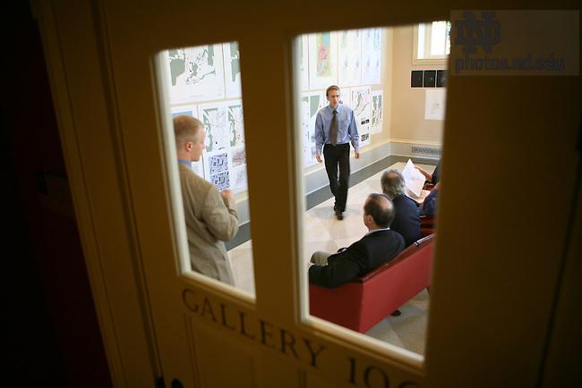 Architecture students present urban renewal plan, Bond Hall