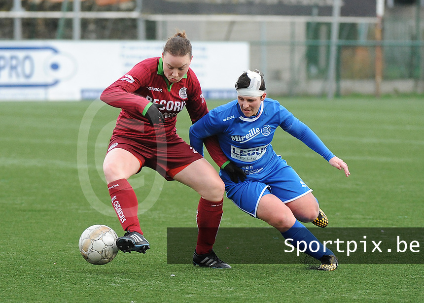 20160206 - Zulte , BELGIUM : Zulte Waregem's Liselore Carlier (L) and  Genk's Kelly Paulus (R) pictured during the soccer match between the women teams of Zulte Waregem and Ladies Genk , in the quartel final matchday of the Belgian CUP - Beker van Belgie voor Vrouwen competition on Saturday 6th February 2016 in Zulte .  PHOTO SPORTPIX.BE DIRK VUYLSTEKE