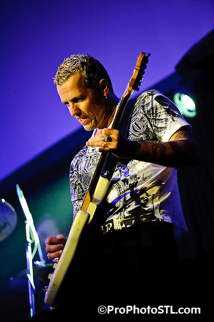 Gary Hoey in concert at Voodoo Lounge of Harrah's Casino in St. Louis, MO on Dec 3, 2009.