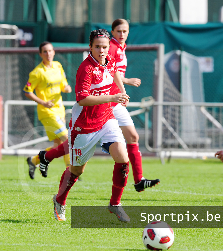 Supercup seizoen 2011 - 2012 ; Kampioen Standard Femina tegen Bekerwinnaar Waasland Beveren Sinaai Girls : Maria Laura Aga.foto DAVID CATRY / Vrouwenteam.be