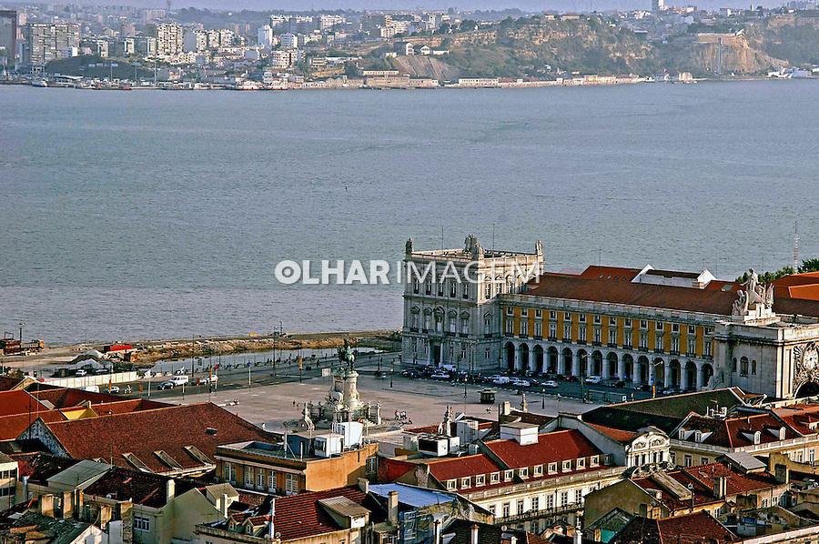 Praça do Comércio e Rio Tejo. Lisboa. Portugal. 2005. Foto de Rogério Reis.