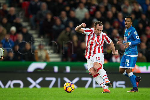 19.11.2016. Bet365 Stadium, Stoke, England. Premier League Football. Stoke City versus AFC Bournemouth. Stoke City midfielder Charlie Adam kicks the ball.