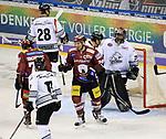 08.09.2017, Mercedes Benz Arena, Berlin, GER, 1.DEL, EISBAEREN BERLIN  VS.  THOMAS SABO ICE TIGERS, im Bild <br /> Andre Rankel (Eisbaeren Berlin #24), Andreas Jenike (Nuernberg IceTigers #29), Steven Reinprecht (Nuernberg IceTigers #28)<br /> <br />      <br /> Foto &copy; nordphoto / Engler