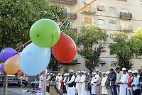 Roma 24 Settembre 2015<br /> Tor Pignattara, Piazza Bartolomeo Perestrello<br /> La Comunità islamica festeggia Eid Al-Kabir, la festa del Sacrificio, con la preghiera.