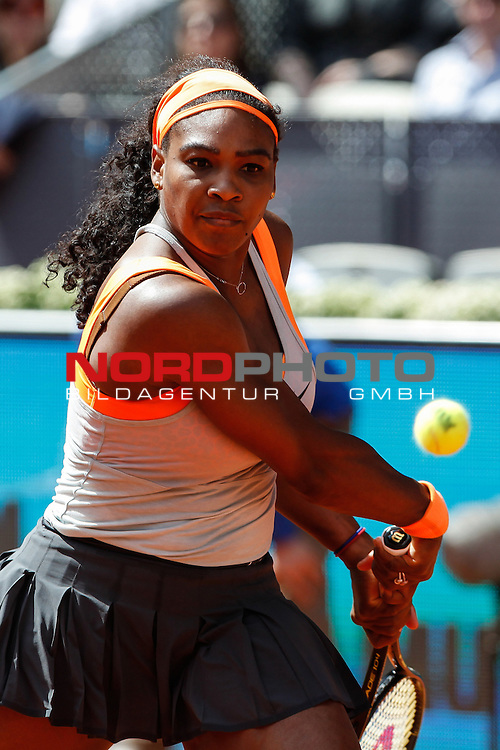 Serena Williams from USA during her Madrid Open tennis tournament match against Victoria Azarenka from Belorussia in Madrid, Spain. May 06, 2015. Foto © nph / Victor Blanco)