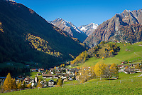 Austria, East-Tyrol, High Tauern National Park, Virgen Valley, Praegraten at Grossvenediger and Hohe Tauern mountains   Oesterreich, Osttirol, Nationalpark Hohe Tauern, Virgental, Praegraten am Grossvenediger: im Hintergrund die Hohen Tauern