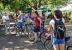 Wisła, (województwo śląskie) 28.08.2016. Deptak w Wiśle - turystyka rowerowa.