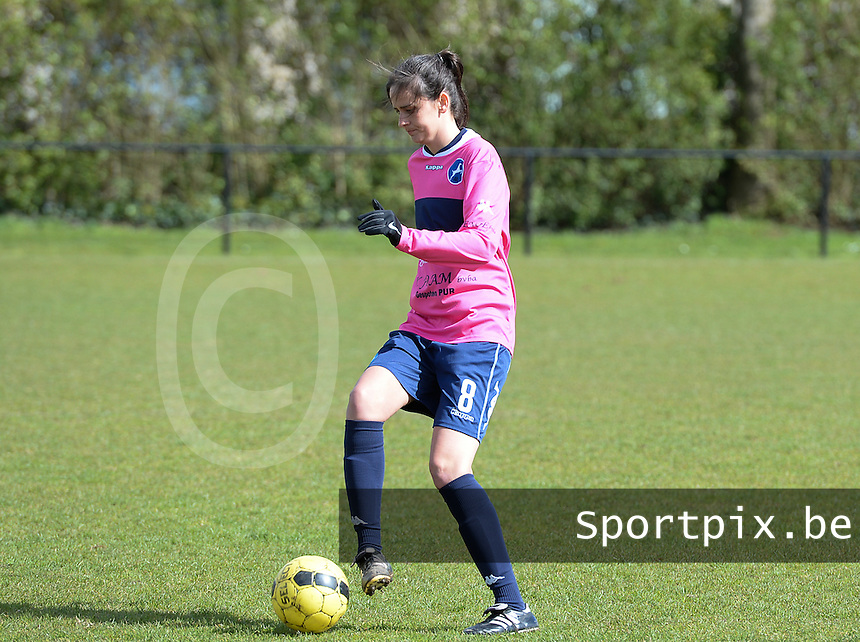 20160328 - Zwevezele , BELGIUM : Turnhout's Greet Hermans pictured during the soccer match between the women teams of Voorwaarts Zwevezele and FC Turnhout  , on the 20th matchday of the Belgian Third division for Women on Saturday 28 th March 2016 in Zwevezele .  PHOTO SPORTPIX.BE DAVID CATRY