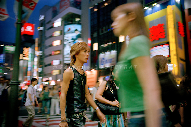 Tokyo, August 2005. Shibuya crossing.