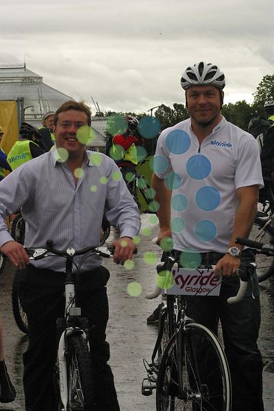 Skyride Glasgow Sir Chris Hoy and Ross Edger