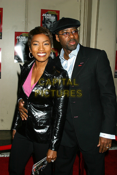 ANGELA BASSETT & COURTNEY B. VANCE.Julius Caesar Broadway Opening Night, Arrivals, Belasco Theatre in New York City, USA, April 3rd 2005..half length.Ref: IW.www.capitalpictures.com.sales@capitalpictures.com.©Ian Wilson/Capital Pictures.