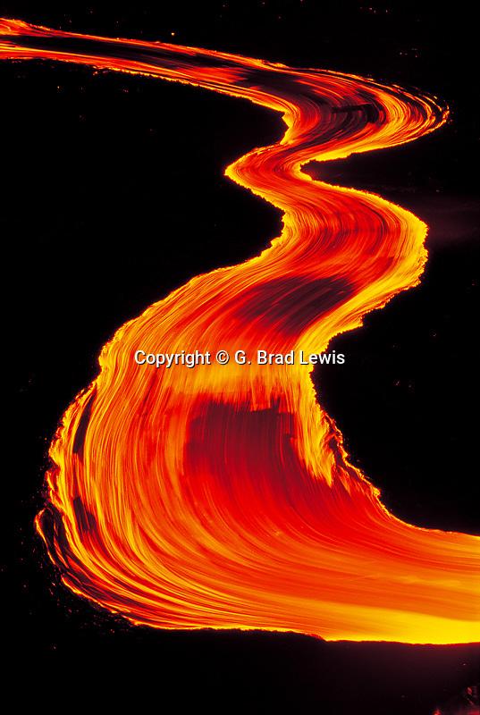 Lava stream near the Pu'u O'o vent in fluid motion at night