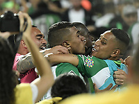 MEDELLÍN -COLOMBIA - 18-06-2017: Jugadores de Atlético Nacional celebran después de anotar el cuarto gol de su equipo a Deportivo Cali durante por la final de la Liga Águila I 2017 jugado en el estadio Atanasio Girardot de la ciudad de Medellín. / Players of Atletico Nacional celebrate after scoring the fourth goal of their team to Deportivo Cali during second leg match for the final of the Aguila League I 2017 at Atanasio Girardot stadium in Medellin city. Photo: VizzorImage/ Gabriel Aponte / Staff