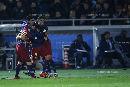 (L-R) Luis Suarez, Lionel Messi, Neymar (Barcelona), DECEMBER 20, 2015 - Football / Soccer : Luis Suarez of Barcelona celebrates after scoring their 2nd goal during the FIFA Club World Cup Japan 2015 Final match between River Plate 0-3 FC Barcelona at International Stadium Yokohama in Kanagawa, Japan. (Photo by Koji Aoki/AFLO SPORT)