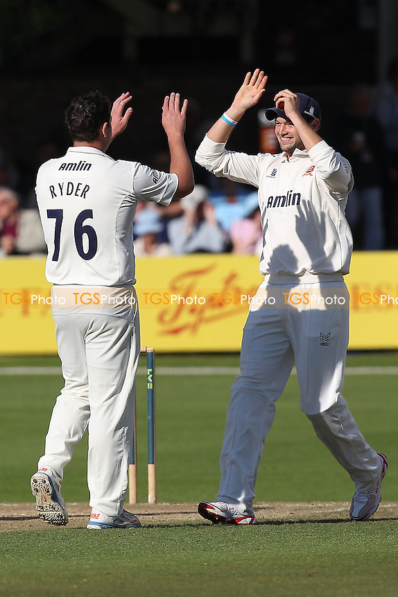 Jesse Ryder (L) of Essex celebrates the wicket of Richard Oliver with Nick Browne - Essex CCC vs Worcestershire CCC - LV County Championship Division Two Cricket at the Essex County Ground, Chelmsford, Essex - 24/09/14 - MANDATORY CREDIT: Gavin Ellis/TGSPHOTO - Self billing applies where appropriate - contact@tgsphoto.co.uk - NO UNPAID USE
