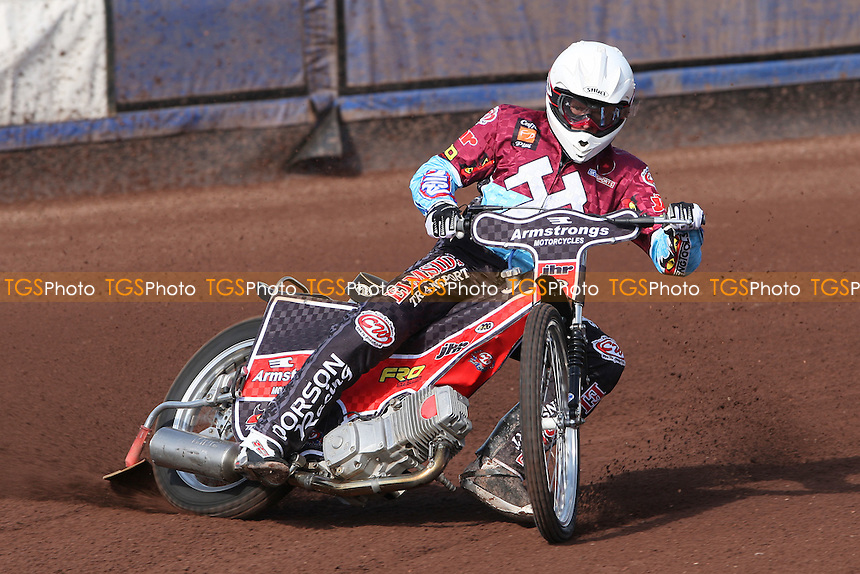 Stuart Robson of Lakeside Hammers rides during practice - Lakeside Hammers Press & Practice Day at Arena Essex Raceway -  17/03/09 - MANDATORY CREDIT: Gavin Ellis/TGSPHOTO - Self billing applies where appropriate - Tel: 0845 094 6026