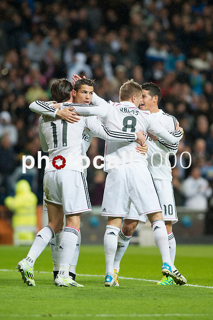 Football match between Real Madrid and Rayo Vallecano at 8th Novembre, 2014 in Stadium Santiago Bernabéu.