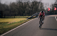 Tiesj Benoot (BEL/Lotto-Soudal) jumped away from the rest of the pack and manages a 30sec lead at one point<br /> <br /> Omloop Het Nieuwsblad 2018<br /> Gent › Meerbeke: 196km (BELGIUM)