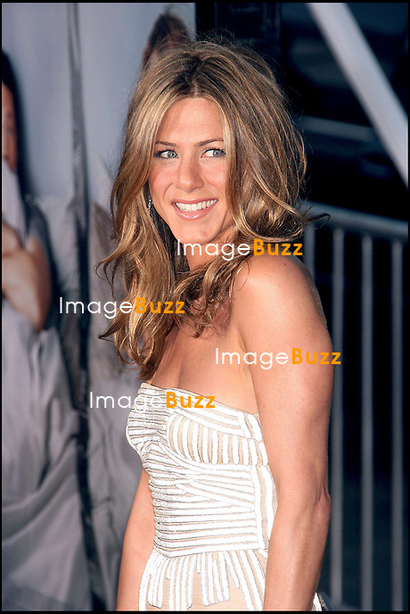 "JENNIFER ANISTON - 1ERE DU FILM "" THE BREAK-UP "" AU MANN VILLAGE THEATER D' HOLLYWOOD.."" THE BREAK-UP "" MOVIE PREMIERE, AT THE MANN VILLAGE THEATER IN WESTWOOD..LOS ANGELES, MAY 22, 2006."