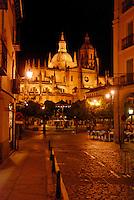 Kathedrale: SPANIEN, KASTILIEN LEON, SEGOVIA, 11.08.2008:Kathedrale von Segovia.c o p y r i g h t : A U F W I N D - L U F T B I L D E R . de.G e r t r u d - B a e u m e r - S t i e g 1 0 2, .2 1 0 3 5 H a m b u r g , G e r m a n y.P h o n e + 4 9 (0) 1 7 1 - 6 8 6 6 0 6 9 .E m a i l H w e i 1 @ a o l . c o m.w w w . a u f w i n d - l u f t b i l d e r . d e.K o n t o : P o s t b a n k H a m b u r g .B l z : 2 0 0 1 0 0 2 0 .K o n t o : 5 8 3 6 5 7 2 0 9.C o p y r i g h t n u r f u e r j o u r n a l i s t i s c h Z w e c k e,  V e r o e f f e n t l i c h u n g  n u r  m i t  H o n o r a r  n a c h M F M, N a m e n s n e n n u n g  u n d B e l e g e x e m p l a r !...