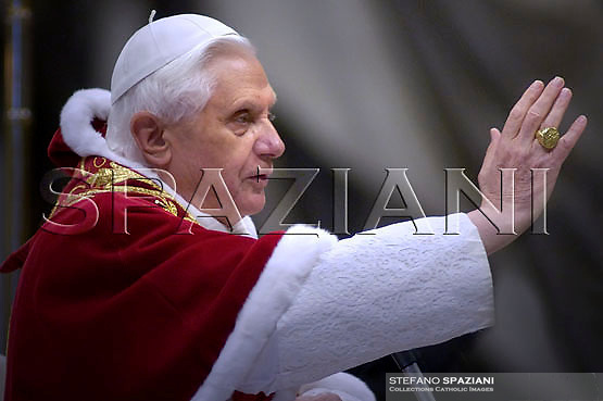 "Pope Benedict XVI ""feast of candles"" Mass celebrated by Slovenian Cardinal Franc Rode', Prefect of the Congregation for Institutes of Consecrated Life and Societies of Apostolic Life,     in St. Peter's Basilica, at the Vatican.  ..February 2, 2007.. .."