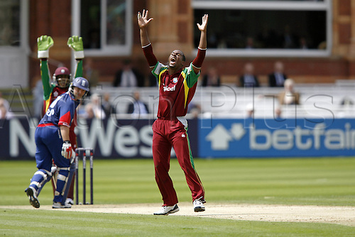 1 July 2007: West Indies bowler Dwayne Smith celebrates taking the wicket of M Prior during the first Natwest series one day International between England and West Indies at Lords. England won the match by 79 runs Photo: Neil Tingle/Action Plus...070701 cricket cricketer joy celebration