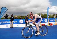 Photo: Richard Lane/Richard Lane Photography. GE Strathclyde Park Triathlon. 22/05/2011. Elite Men race. Lewis Muchie.