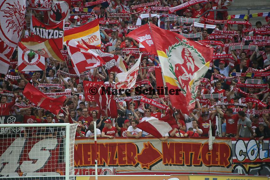Fans von Mainz 05 - 1. FSV Mainz 05 vs. VfL Wolfsburg, Coface Arena, 3. Spieltag