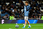 Luka Modric of Real Madrid warms up during La Liga match between Real Madrid and Athletic Club de Bilbao at Santiago Bernabeu Stadium in Madrid, Spain. December 22, 2019. (ALTERPHOTOS/A. Perez Meca)